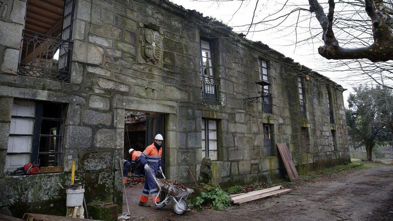 Exterior del centro de salud de Seoane do Courel, uno de los dos que existen en el municpio