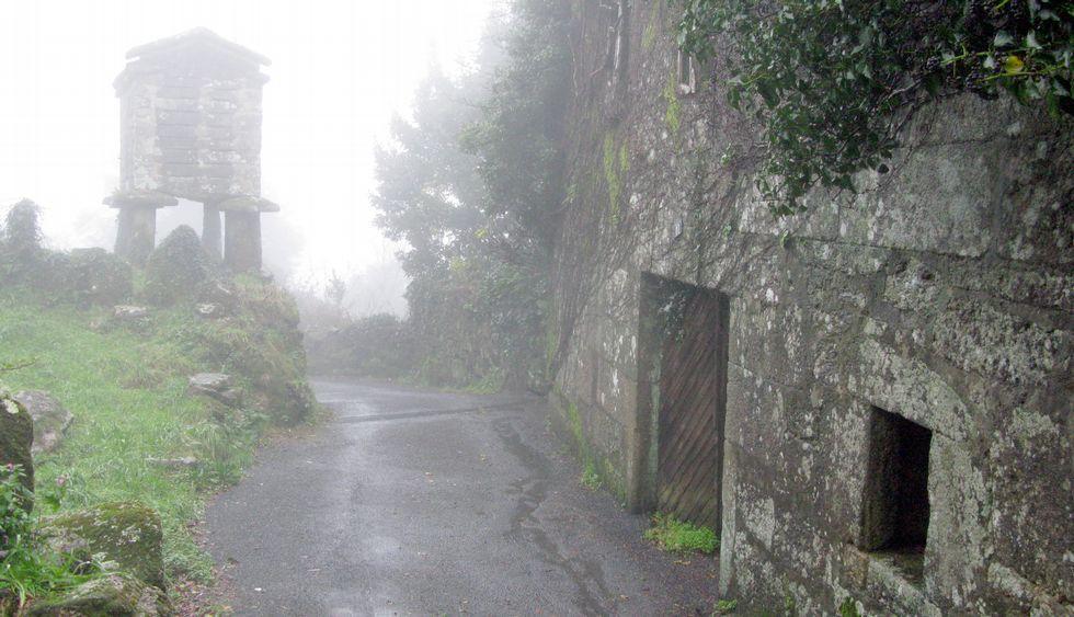 La aldea de Marselle, en el municipio de Muros, lleva más de tres lustros deshabitada.