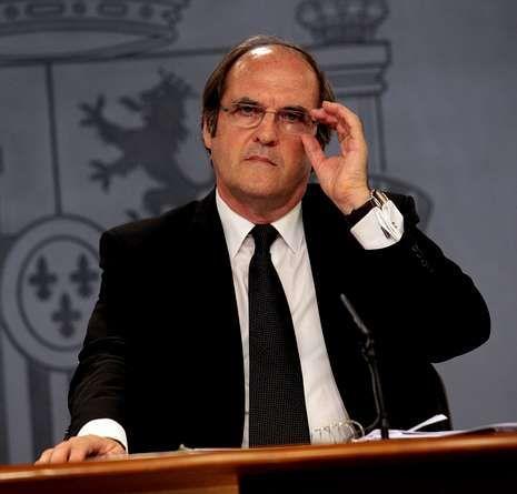 El ex ministro Gabilondo y el torero Ortega Cano están en A Mariña.