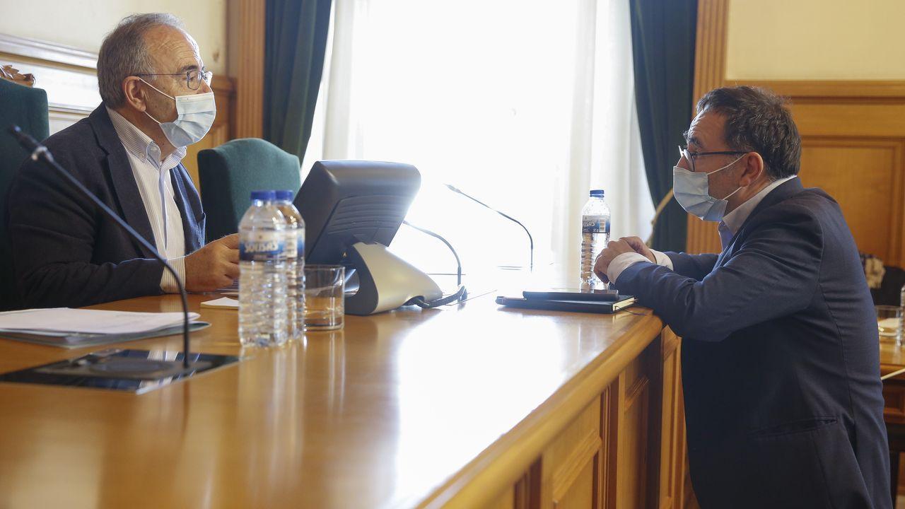Dirigentes del PSOE, en la estación de montaña de Manzaneda