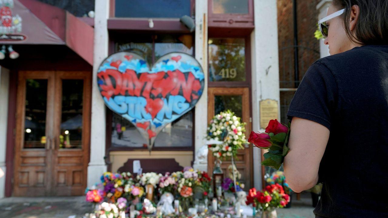 Homenaje a los fallecidos en el tiroteo de Dayton