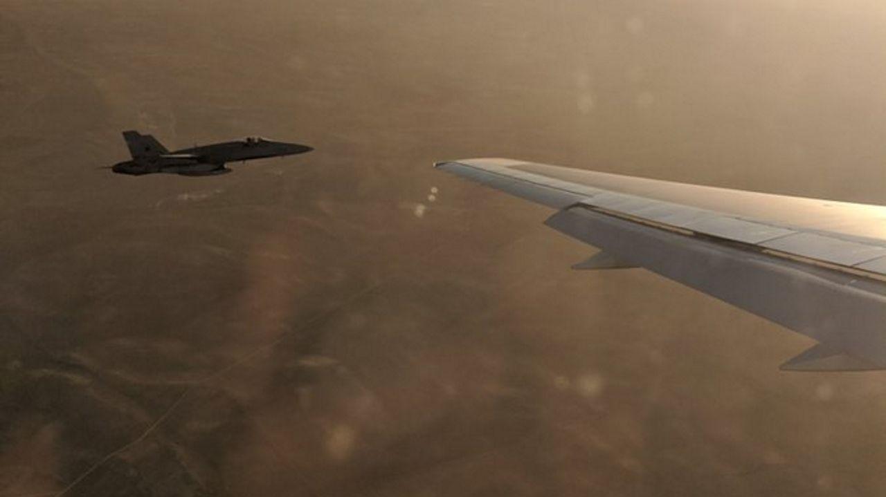 Declaración institucional de Pedro Sánchez.El capitán del F-18 adaptó su velocidad a la del Boeing de Air Canada, que volaba a unos 400 km/h, y se colocó a escasos metros para poder analizar los daños en el tren de aterrizaje izquierdo