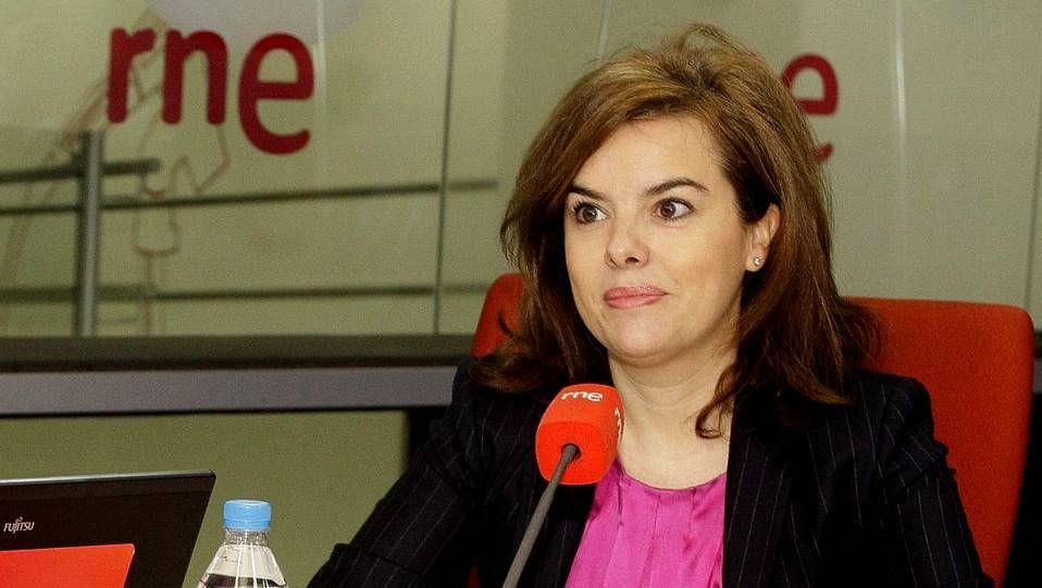 Mañana entra en vigor la nueva factura de la luz.Soraya Sáenz de Santamaría durante su entrevista en RNE