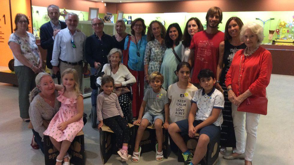 El adiós al Naveiro cierra el ciclo de las bateas en Corme: ¡imágenes!.Procesión de San Roque