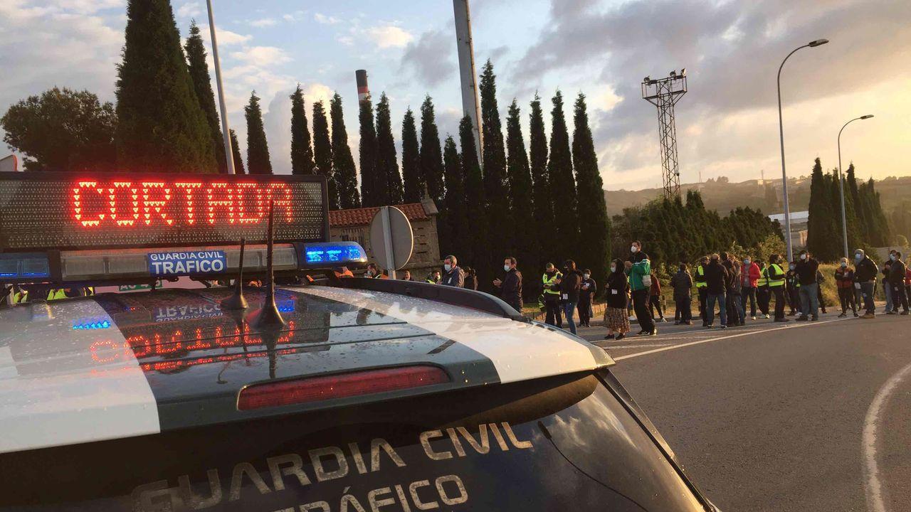 En directo: Sigue el pleno ordinario del Ayuntamiento de A Coruña.Refinería de Repsol en A Coruña.