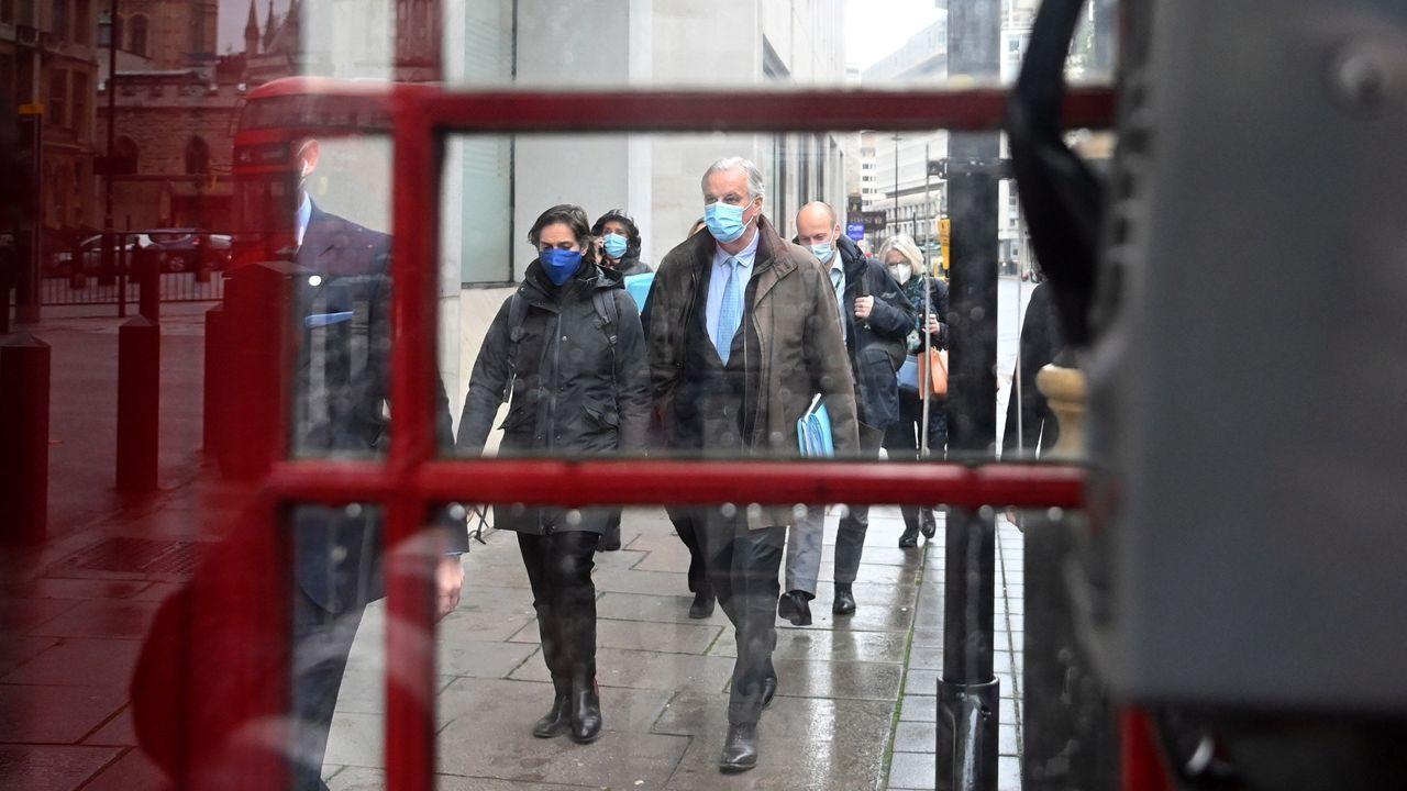 Los negociadores europeos, liderados por Barnier, se dirigen a una nueva reunión en Londres