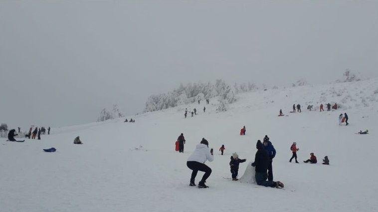 El entorno de la estación de montaña se llenó este fin de semana de visitantes