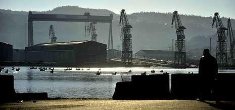 El astillero de Fene -en la foto- fue el primero en quedarse sin ocupación, aunque en estos momentos también el de Ferrol carece de pedidos para fabricar buques.