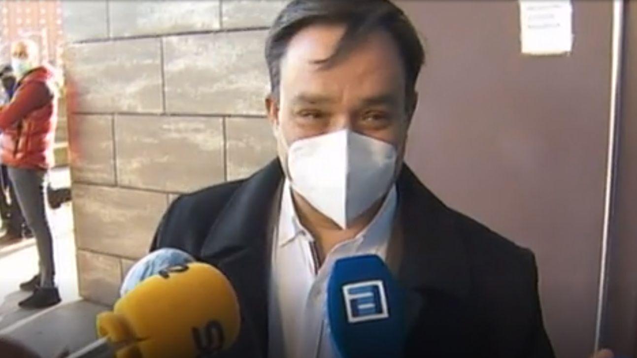 El jesuita acusado de abusar sexualmente de una alumna de un colegio de Gijón, cuando era menor de edad, a su llegada a la Audiencia Provincial de Gijón