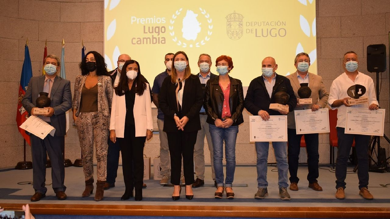 El volcán no puede con el espíritu de los peregrinos de La Palma.El acto de entrega de los premios se celebró en el salón de actos de la sede de la Diputación