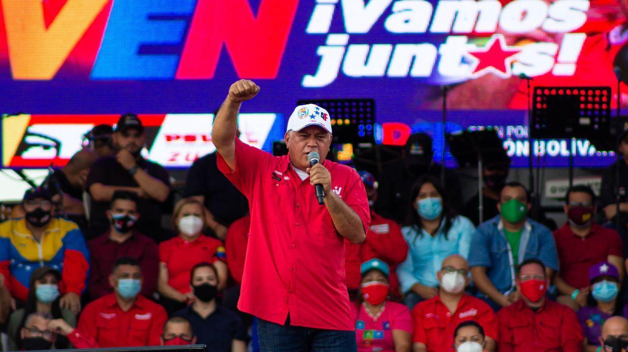 Guaidó,  en un acto de contracampaña a las elecciones del domingo en Caracas
