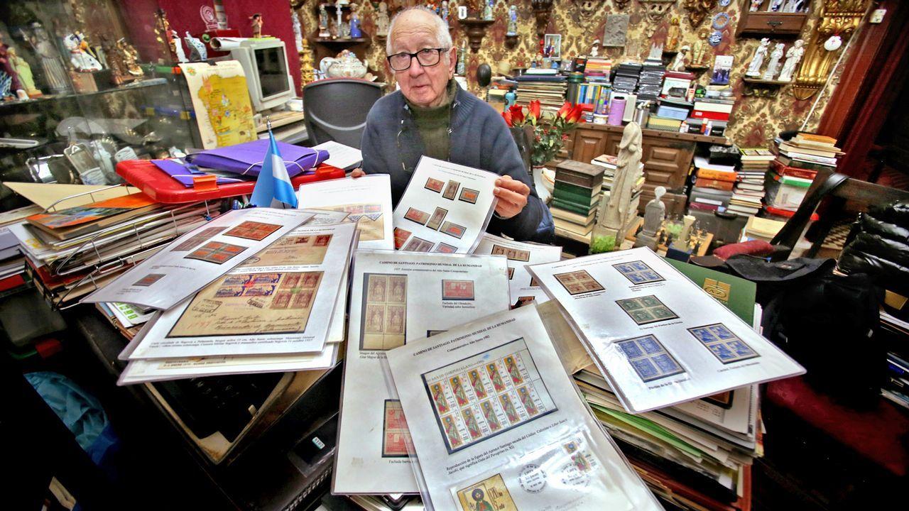 81 años para atesorar la mejor colección de sellos de los Caminos de Santiago