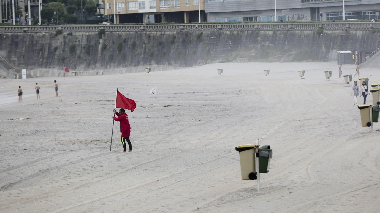 La playa, impecable tras la celebración de San Xoán.