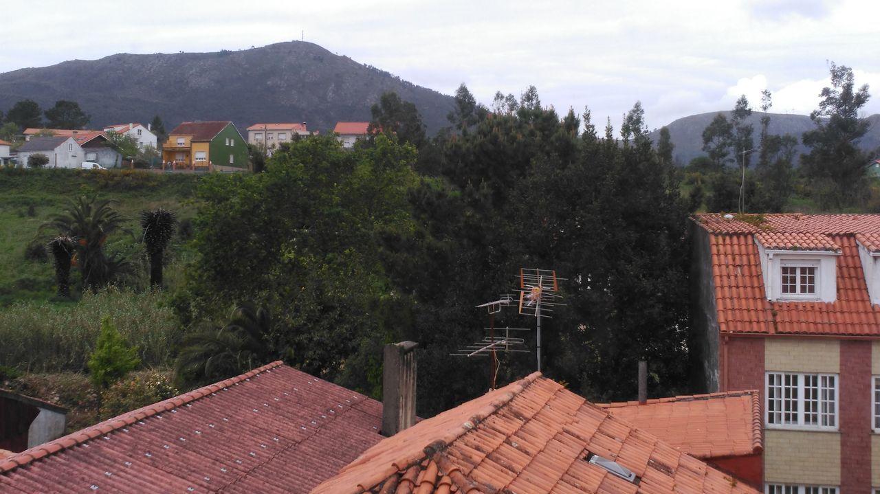Chequeo al mirador de Ribasieira en Porto do Son.Yaira Rodríguez y Rosalidia Álvarez, galardonadas con los Premios Sustentabilidade de la UDC