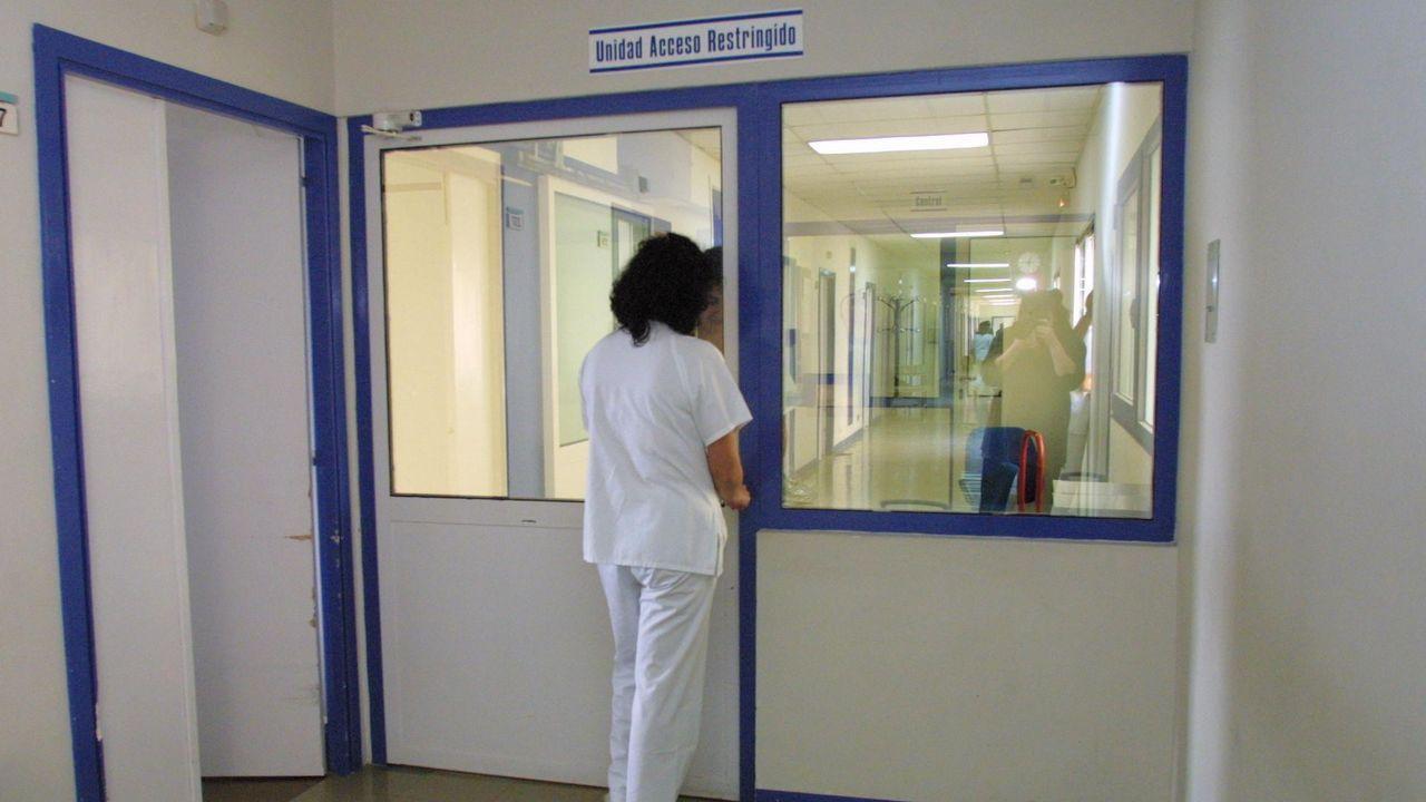 Cae una red que introducía pasta de coca por Marín para procesarla en un laboratorio en Valencia.Sustitución de la placa de la calle 19 de Julio, en el centro de Oviedo, en aplicación de la ley de Memoria Histórica por parte del Ayuntamiento de Oviedo