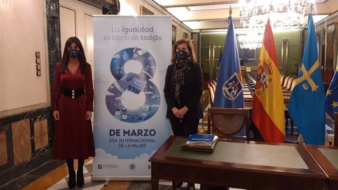 La concejala de Políticas sociales del Ayuntamiento de Oviedo, Conchita Méndez, y la edil delegada del área, Leticia González