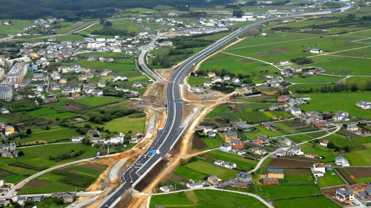 La A-6 y la A-8 son fundamentales para vertebrar a los municipios rurales de la provincia