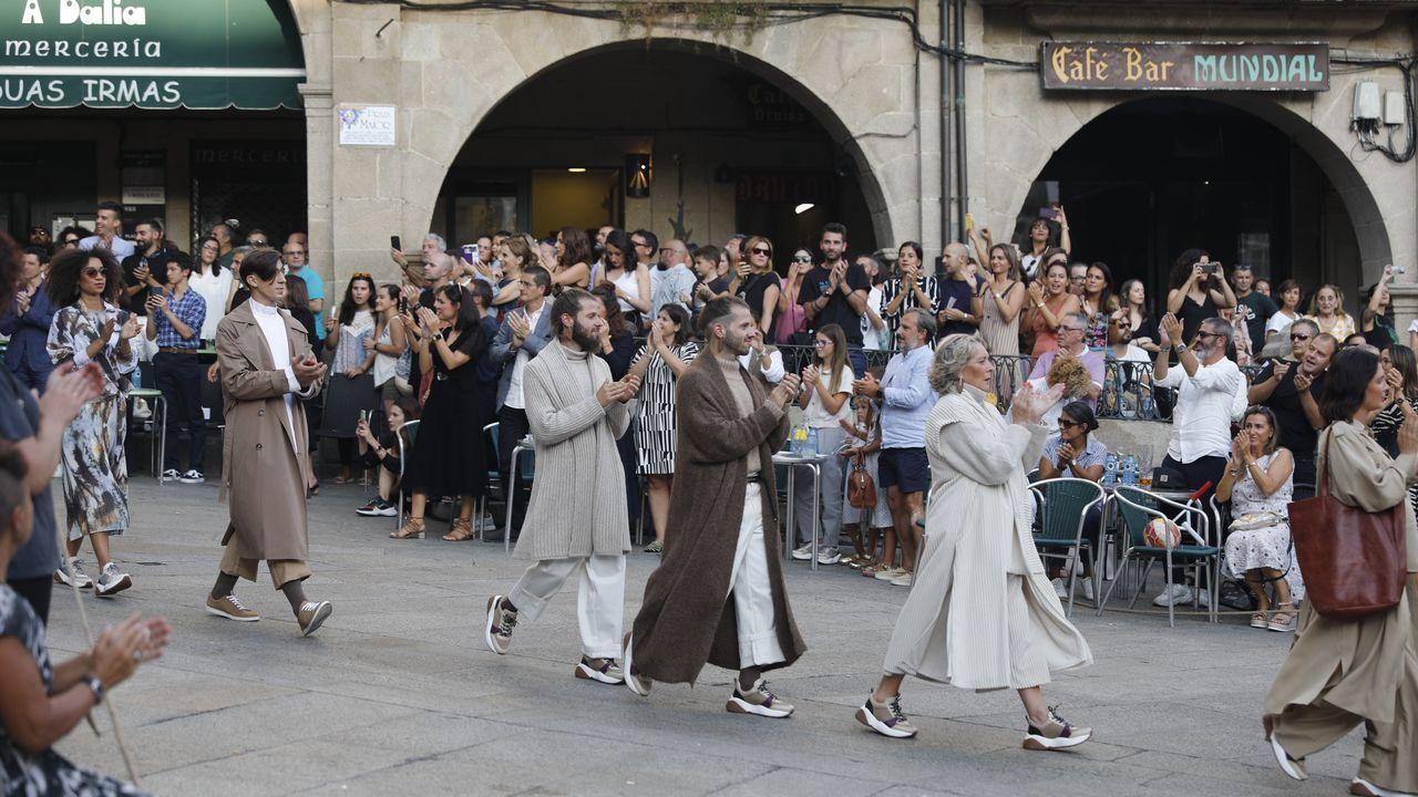 Desfile de Adolfo Dominguez por el casco histórico de Ourense