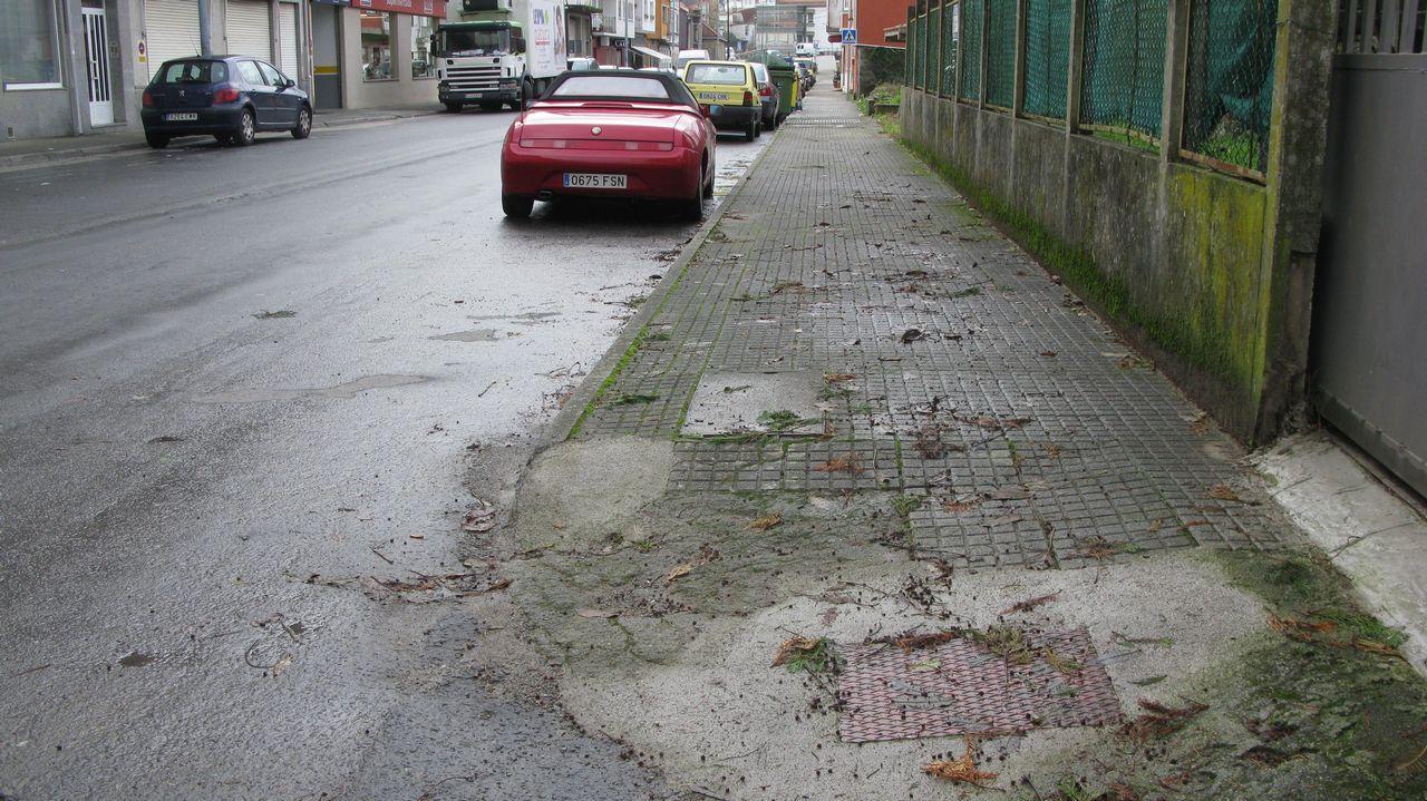chequeo avenida de San Campio en Outes