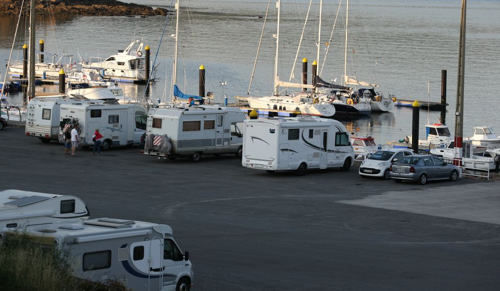 El puerto de Camariñas, en la jornada de ayer.