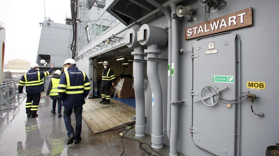 Vídeo de la botadura de un buque de apoyo a eólicos en Gondán.Instalaciones de Ghenova en Ferrol, en foto de archivo