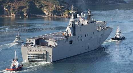 El megabuque «Juan Carlos I» podría ser el modelo elegido para fabricar el nuevo navío prometido por Montoro.