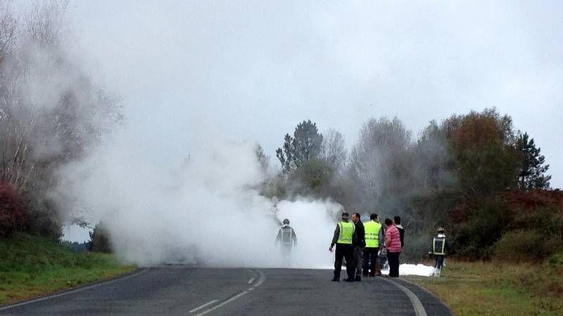Aunque nevó, el principal problema en las carreteras ourensanas lo ocasionaron las heladas.