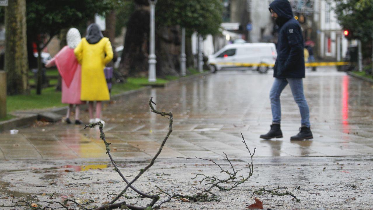 Incidencias por el temporal Elsa en Vigo.La lluvia de los últimos días inunda zonas de la ribera en Canabal, en el municipio lucense de Sober