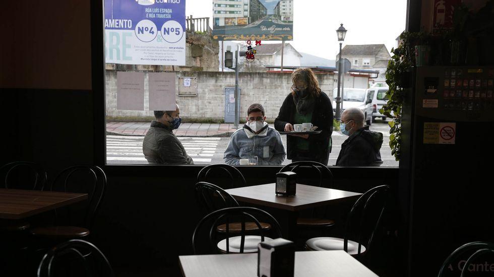En Verín, Castrelo do Val, Monterrei y Cualedro la hostelería solo puede servir a sus clientes en la terraza