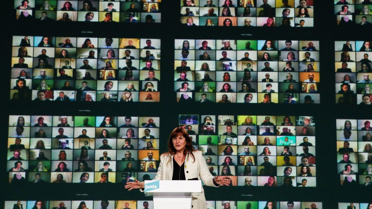 La candidata de Junts, Laura Borràs, durante un acto de campaña