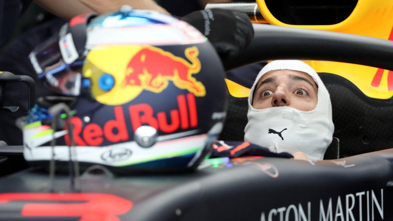 Alonso se despide por todo lo alto en Abu Dabi.El McLaren de Fernando Alonso durante la sesión de clasificación de la última carrera del asturiano en la Fórmula Uno