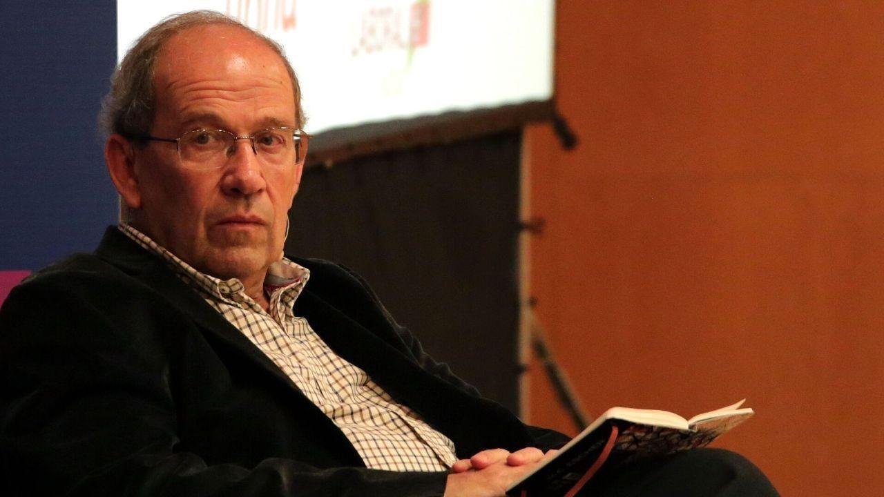 Javier Echeverría,  coautor de la obra