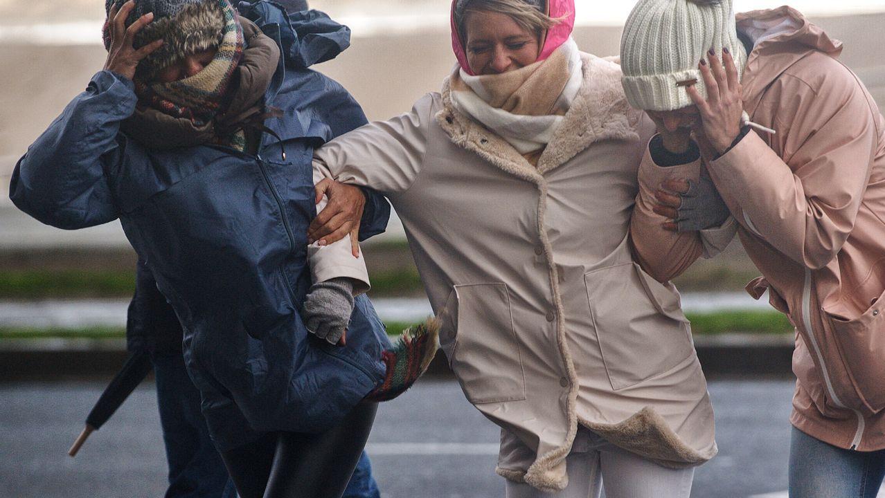 El temporal en Galicia.Plaza Maximino Canedo de A Laracha donde las chicas aseguraron que hubo el intento de rapto