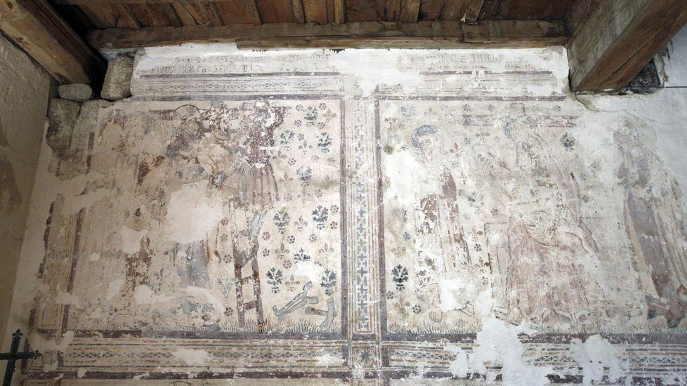 Uno de los murales renacentistas que se conservan en el interior de la iglesia de Pinol, tapado parcialmente por capas de cal