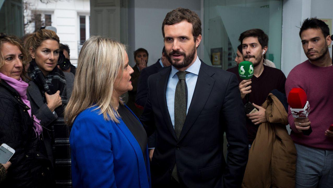 PSOE y ERC, diálogo pero cómo y sobre qué.Casado y Marimar Blanco, de la Fundación Víctimas del Terrorismo, antes de la entrega de los premios anuales de la entidad