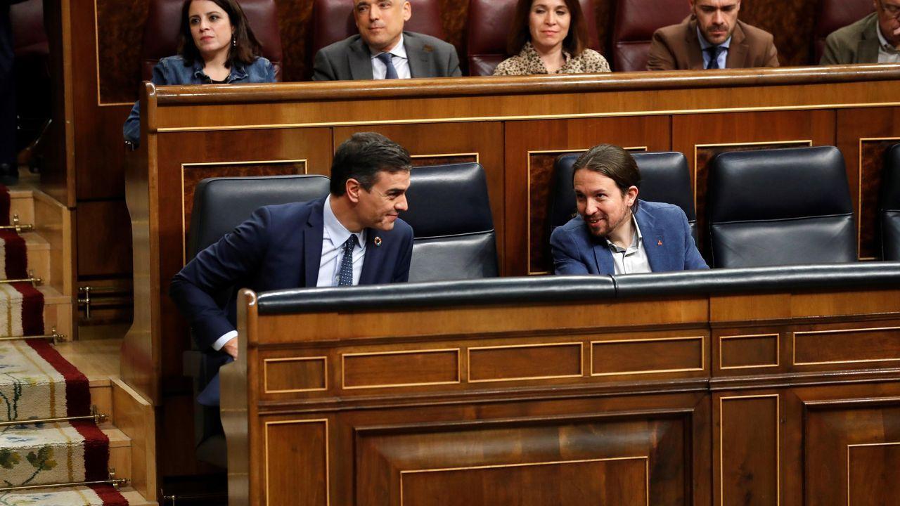 Fractura en el Gobierno de coalición a cuenta de la ley de libertad sexual.Las estación de autobuses de Gijón, vacía