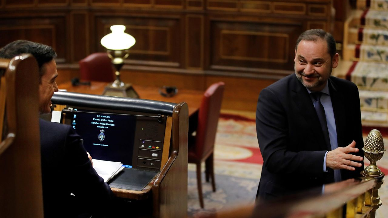 Montero: «El Gobierno llevó al Congreso un proyecto de ley que corregía la devolución del IVA y el PP votó en contra».Ábalos, que permanece alejado de los focos, no ha vuelto a aparecer en un acto público desde el comité nacional del PSdeG del sábado