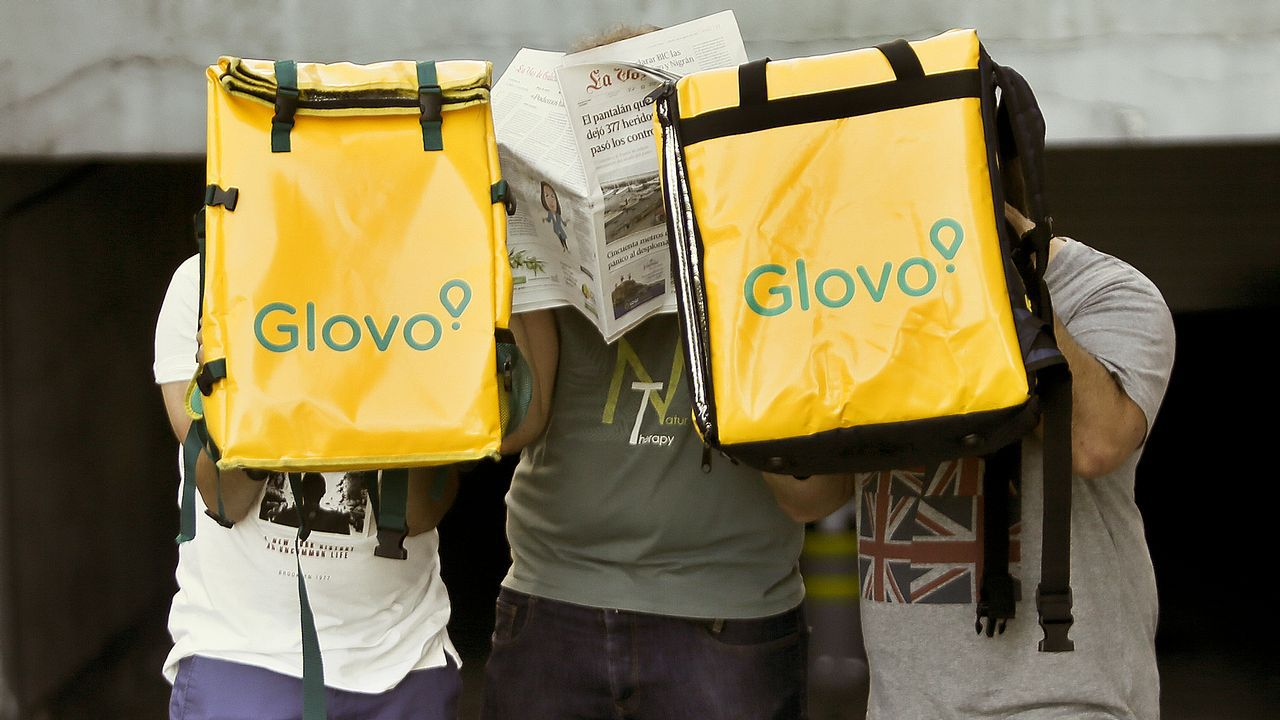 Repartidores vigueses de Glovo, una de las empresas demandadas ante la Inspección de Trabajo