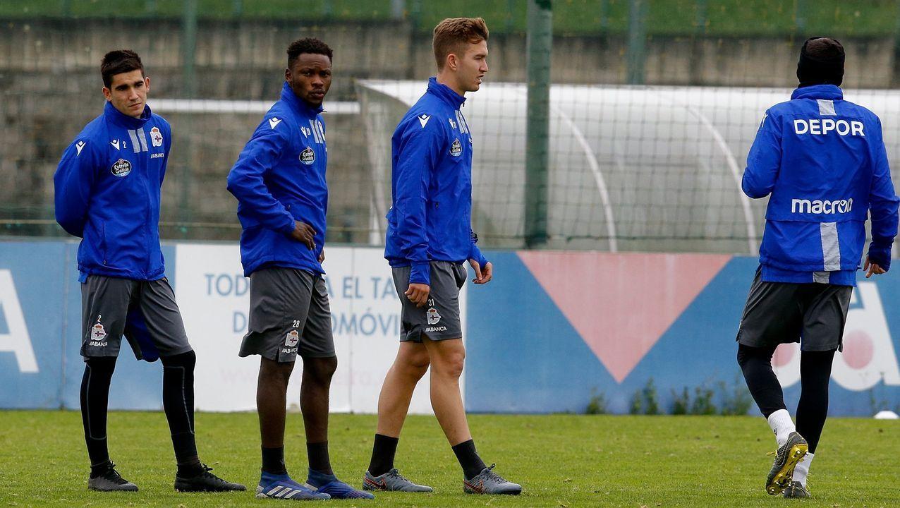 El fabrilista Kanouté, segundo por la izquierda, debutará como titular con el primer equipo