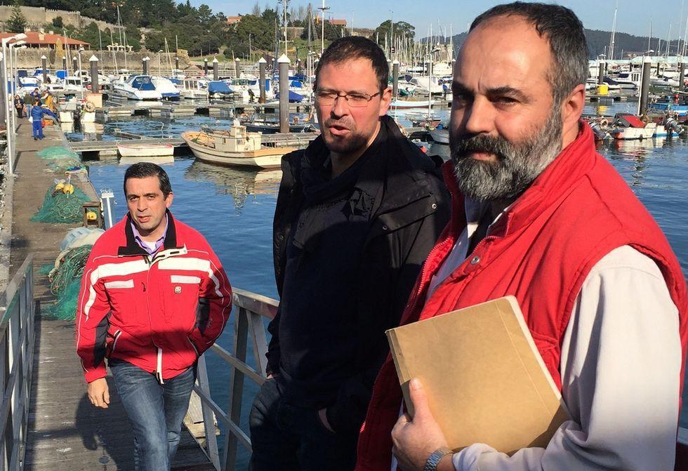 La tragedia de los ciclistas en A Guarda, en fotos.Xosé Lourenzo, respaldado por dos compañeros, pedirá una orden de alejamiento.