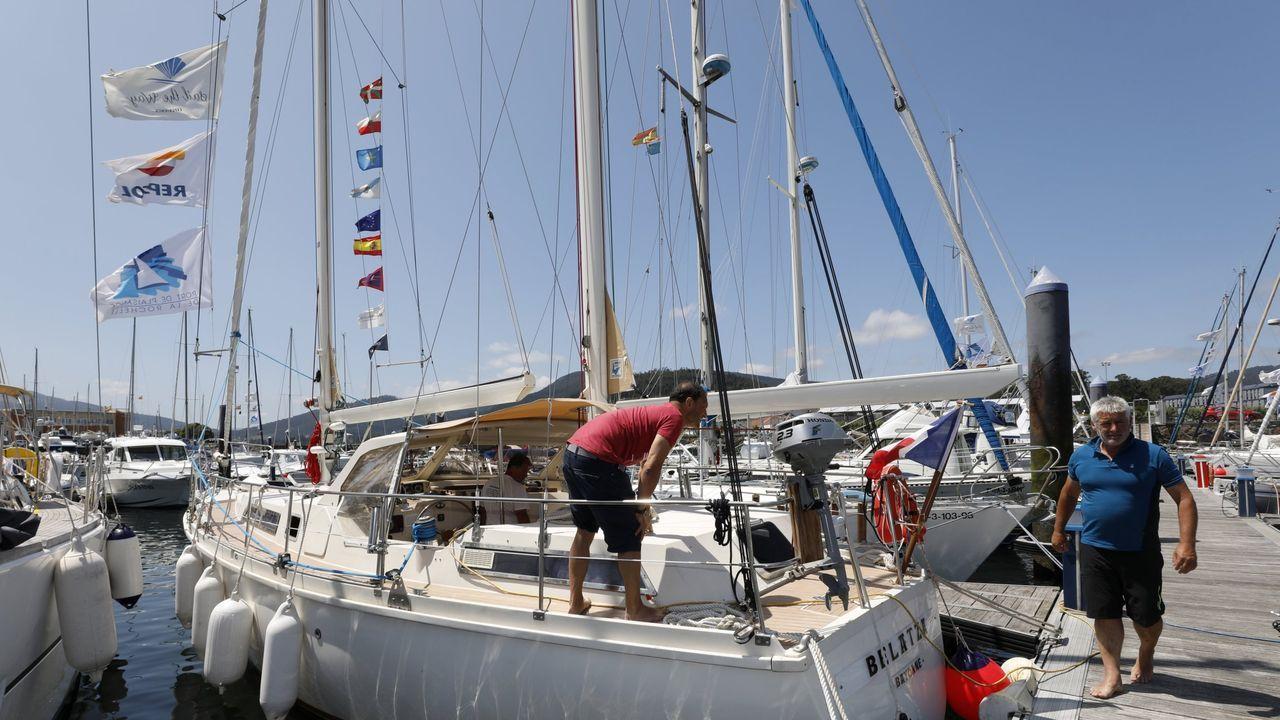 Foto de archivo de veleros de la ruta Navega el Camino en el puerto deportivo de Viveiro