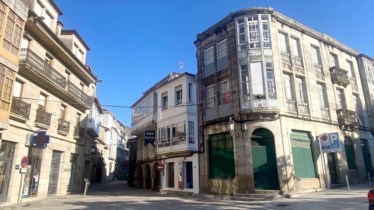 La calle Real, en el centro histórico de Caldas de Reis