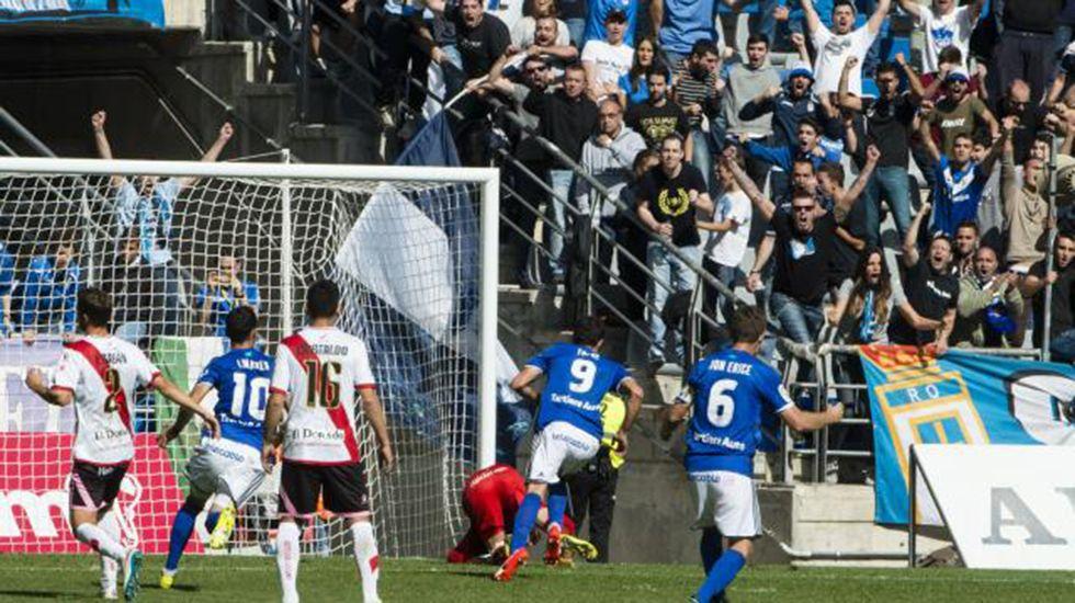 Toché celebra el segundo gol del Oviedo