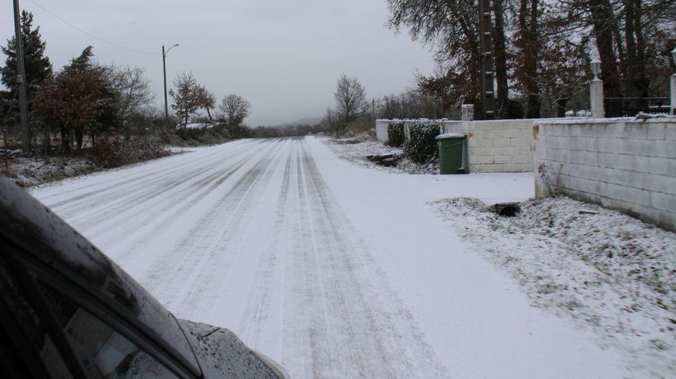 Galicia en alerta por la borrasca Helena.Nieve en A Pobra de Trives (Ourense)