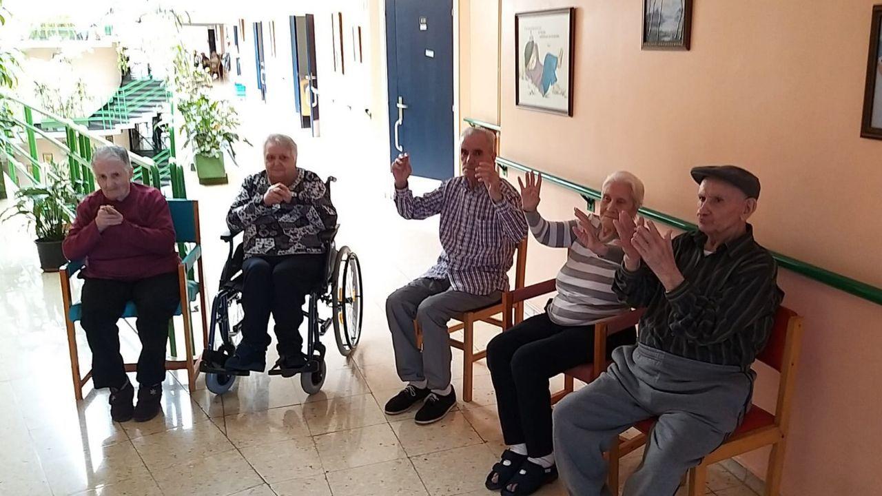 Cinco de los seis mayores que recibieron el alta el martes en la residencia Nuestra Señora de La Esperanza de Ourense