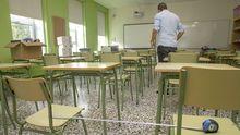 Preparación de aulas en el CEIP Felipe de Castro de Noia