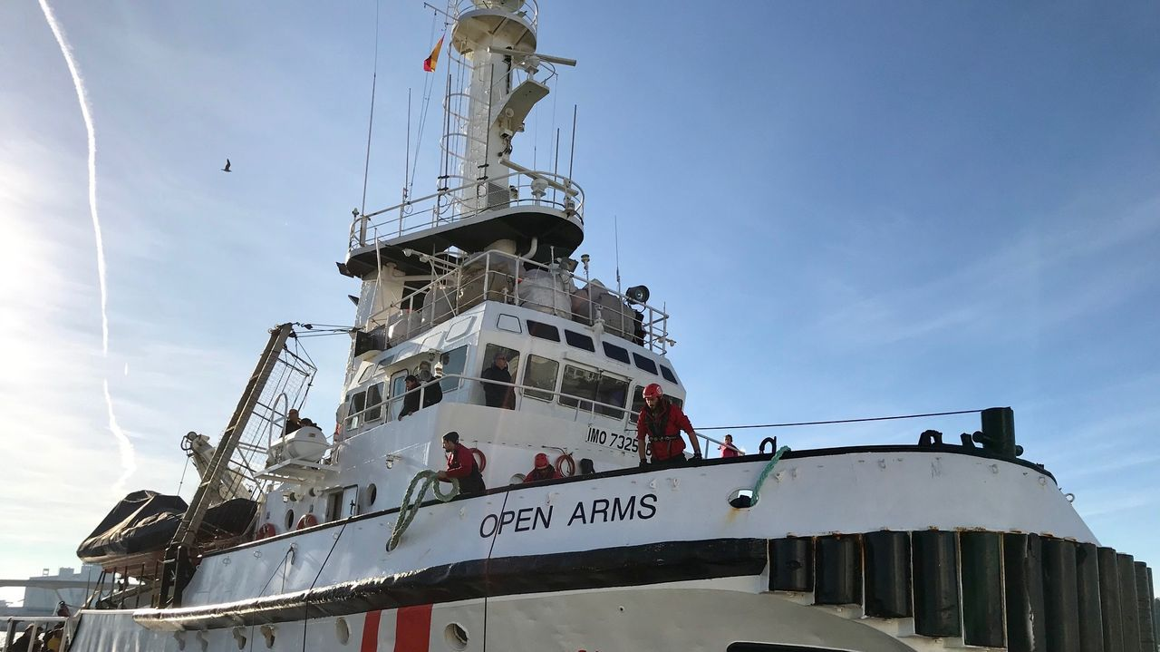 El barco de Open Arms en el puerto de Barcelona