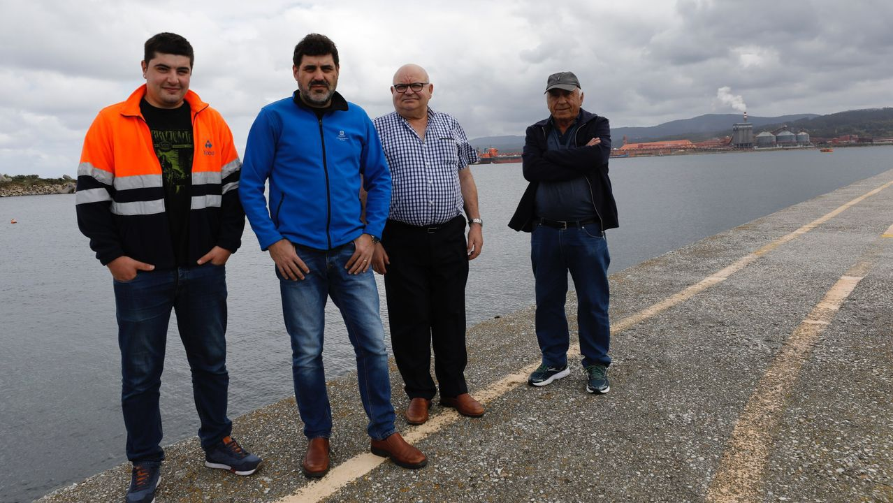 Protesta de los trabajadores de Alu Ibérica en Alfonso Molina.Plantaciones de pinar en la paroquia de Pombeiro, en Pantón