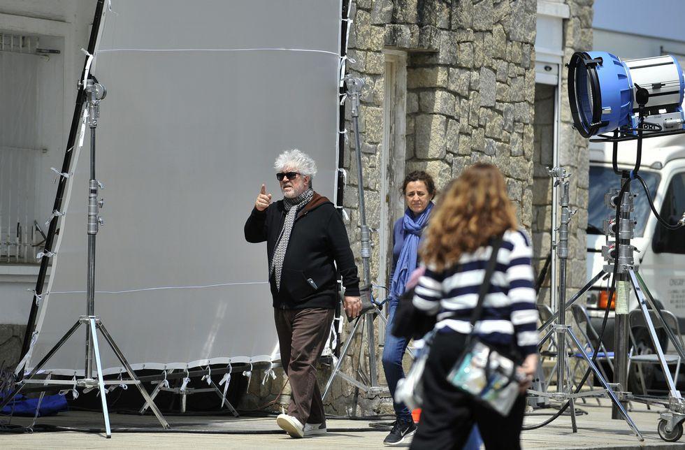 Desfiles de Elena Rial y Pedro Covelo en EGO.Almodóvar y su equipo tomaron el edificio del Reloj para el rodaje de «Silencio».