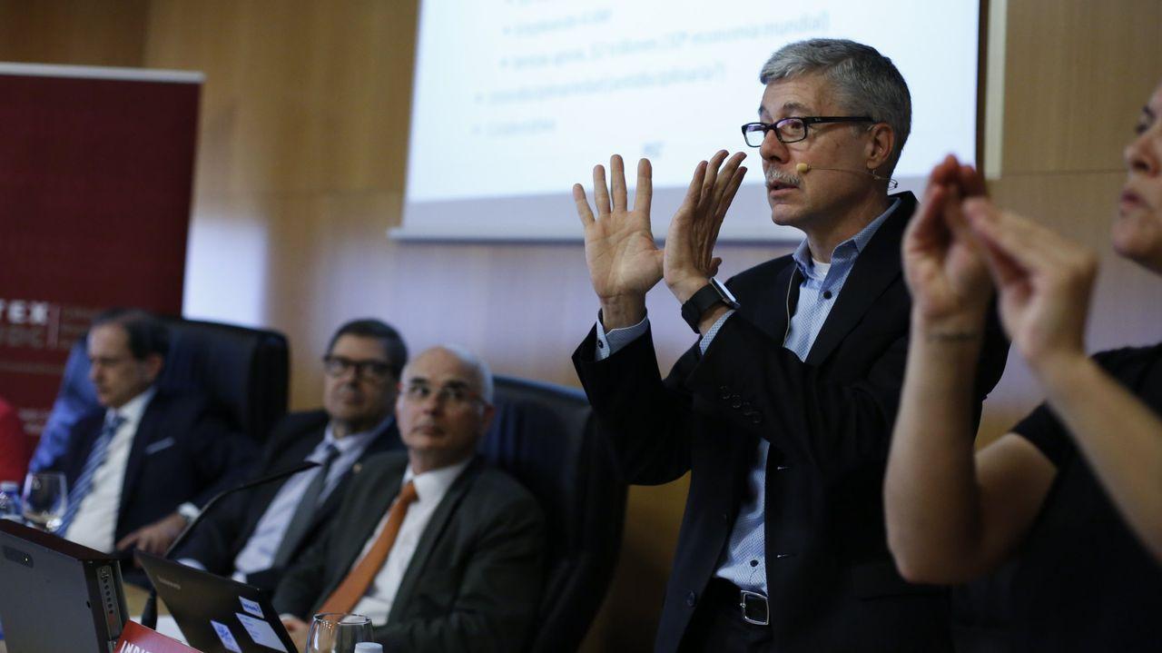 Marco M. Muñoz, director de la Oficina de Iniciativas Globales del MIT (siglas en inglés del Instituto de Tecnología de Massachusetts), la primera universidad del mundo en investigación, en la conferencia que pronunció en A Coruña en mayo del 2017 en el marco del programa de la Cátedra Inditex-UDC
